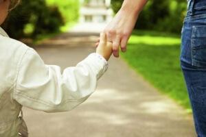 Матери-одиночки имеют ряд материальных преимуществ