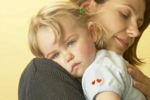 При устройстве в садик или школу матерям-одиночкам предоставляются некие привелегии