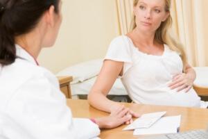 Женщины уходят в декрет на сроке беременности в 30 недель