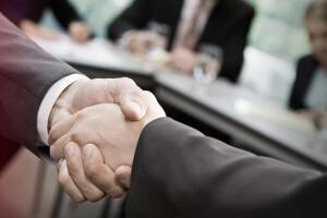 Увольнение по соглашению сторон: компенсация и другие выплаты работнику