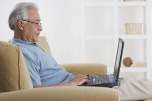 Будет добавка в августе работающим пенсионерам
