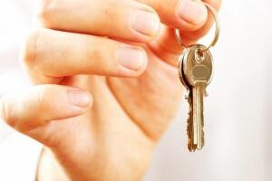 Как прописаться в неприватизированную квартиру – особенности и детали