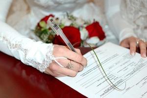 Как оформить брачный договор, что он представляет собой и на какие моменты стоит обратить внимание?