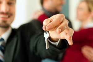 Как сдать квартиру в аренду официально