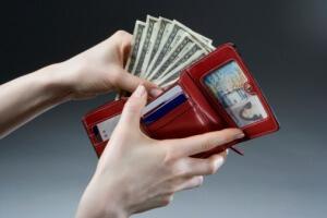 Как добиться выплат если не оформлен на работе