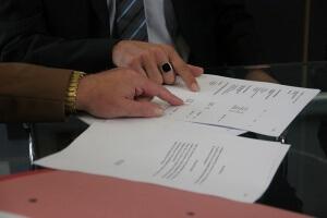 Как писать характеристику на работника: структура и особенности документа