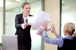 Кому пожаловаться на работодателя: составляем жалобу!