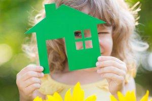 Как подарить квартиру несовершеннолетнему ребенку в
