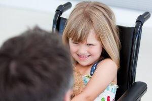 Пенсия по уходу за ребенком-инвалидом: размеры, порядок оформления и начисления, другие льготы для родителей