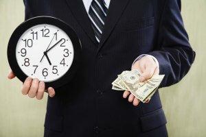 Отсрочка в банке по кредиту: кому и на каких условиях предоставляется, уважительные причины и необходимые документы