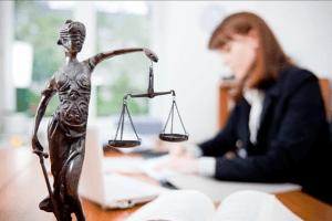 Добровольное представительство в суде