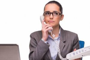 Когда коллекторы могут звонить по поводу долга родственника