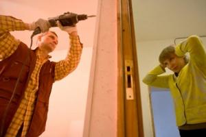 Когда по закону можно проводить ремонтные работы в выходные дни?