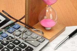 Как списать дебиторскую задолженность? Налоговый и бухгалтерский учет