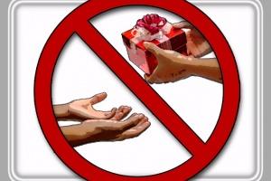 в каких случаях даритель может отменить договор дарения