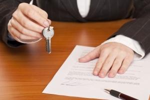 Можно ли приватизировать служебную квартиру