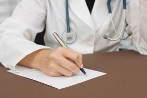 Как взять больничный на работе? Правила оформления больничных листков