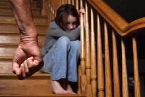 Как лишить отца прав на ребенка: особенности процедуры