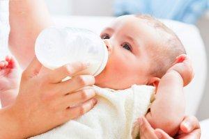 Полезная информация для каждого родителя: кому положено бесплатное детское питание?