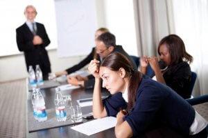 Нужно ли отрабатывать 2 недели после увольнения? Рекомендации профессиональных юристов