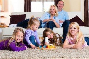 Что положено многодетной семье: понятие, особенности получения статуса
